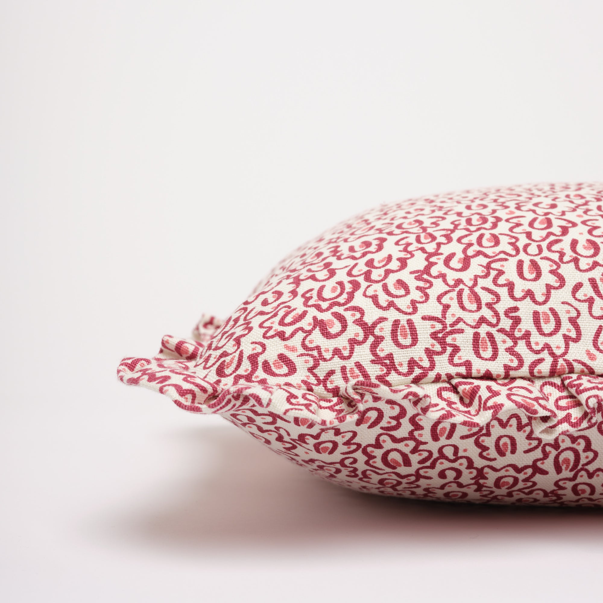 BARBRO RUFFLE CUSHION - RASPBERRY