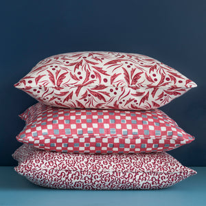 SOPHIA CUSHION - RASPBERRY