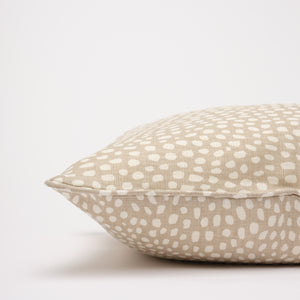 SPOTTY CUSHION - TAUPE