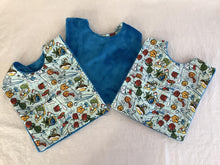 Load image into Gallery viewer, Baby bib with crumb catcher pocket