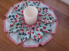 Load image into Gallery viewer, Fold n stitch blooms pattern by Kristine Poor