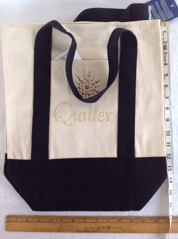 Canvas tote bag for a quilter