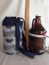 Load image into Gallery viewer, Insulated bottle totes growler half gallon