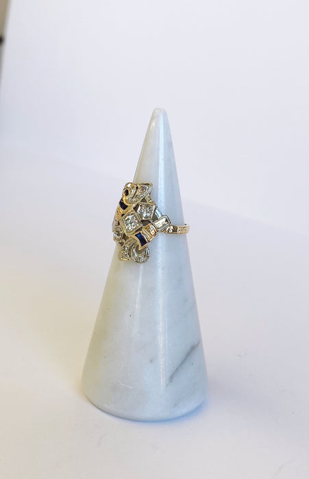Art Deco White and Yellow Gold Sapphire and Diamond Ring