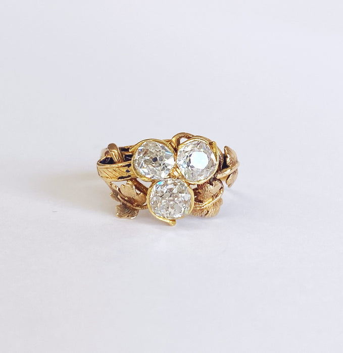 Early Victorian mine-cut Diamond Ring in 18k Yellow Gold, Circa 1850's