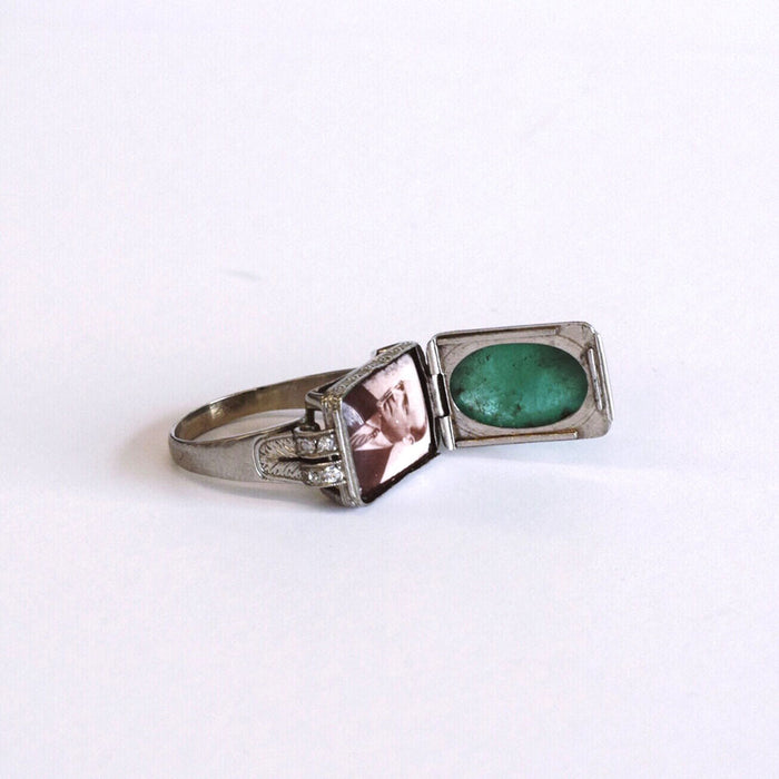 Cabochon Emerald Ring, Opens to Portrait