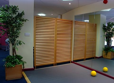 Slatted Straight Screens - Screens Plus