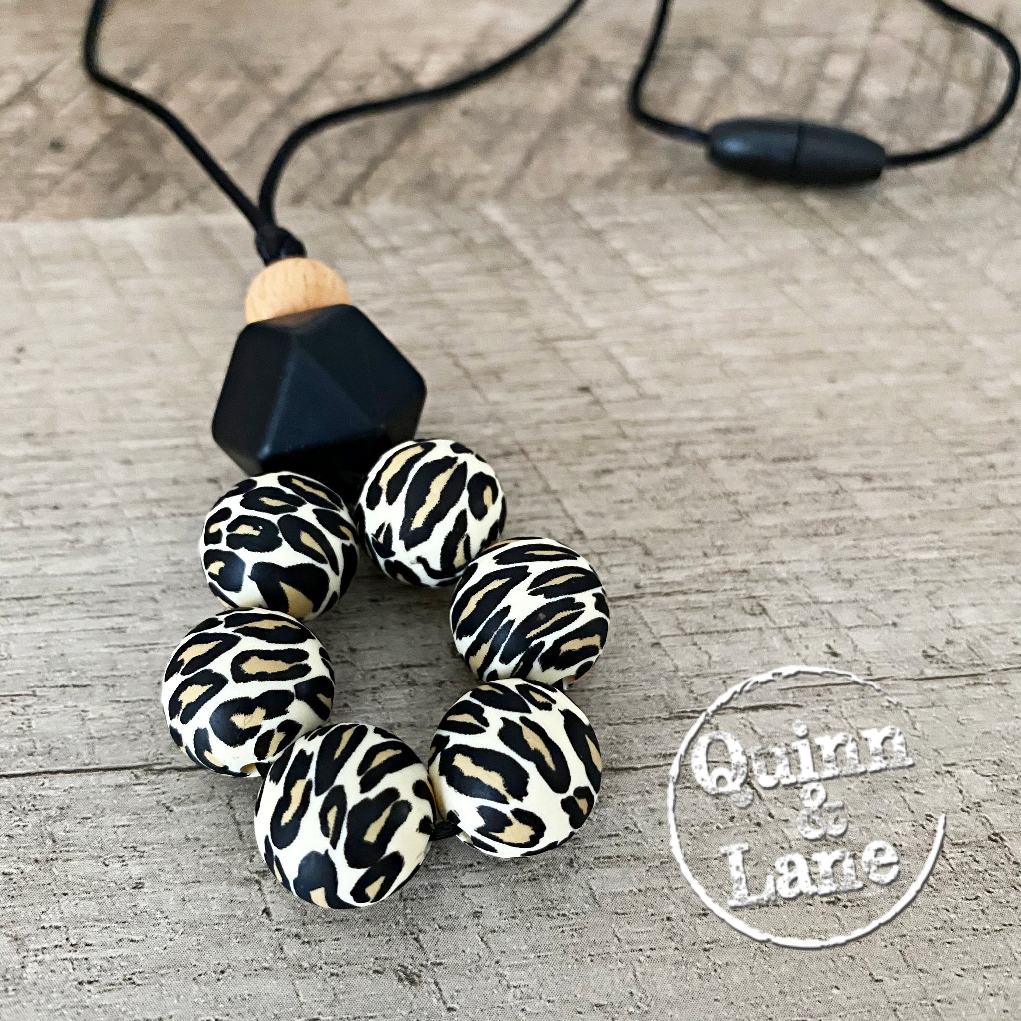 ADULT | Silicone Teething & Nursing Necklace - Leopard Circle Pendant