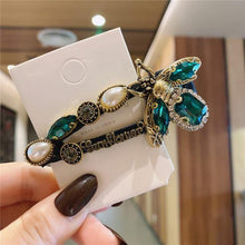 Load image into Gallery viewer, Vintage Bee Hair Clip - MatchMatch
