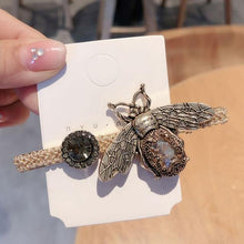 Load image into Gallery viewer, Large Bee Hair Clip - MatchMatch
