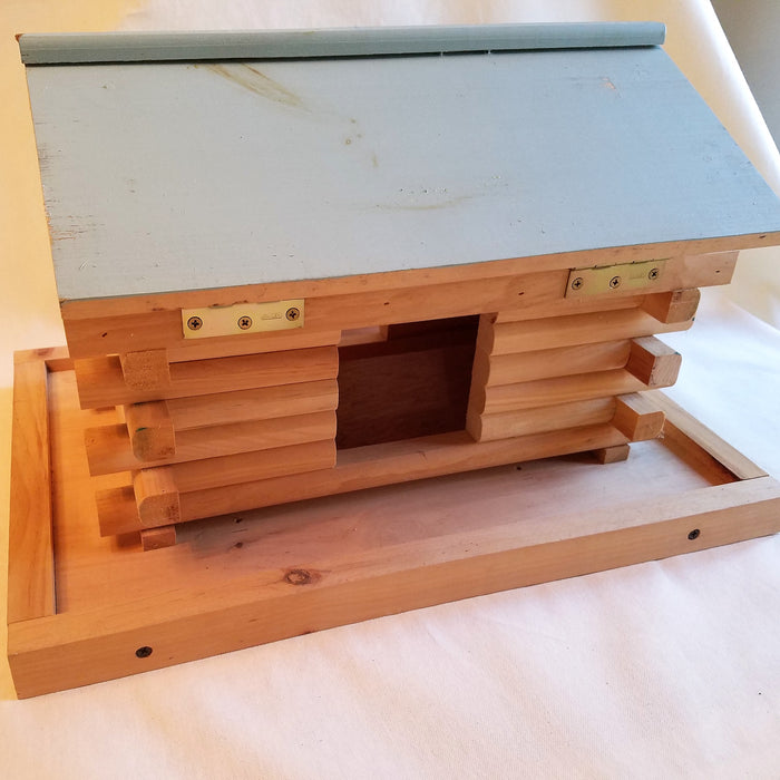 Handcrafted Bird Feeder Cabin Design