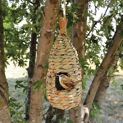 Songbird Essentials Hanging Grass Teardrop Roosting Pocket