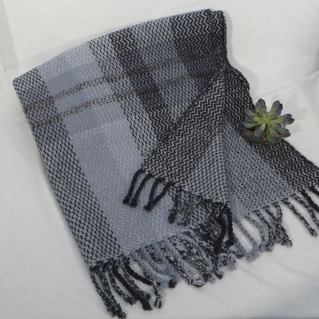 Throw (Gray, Black)