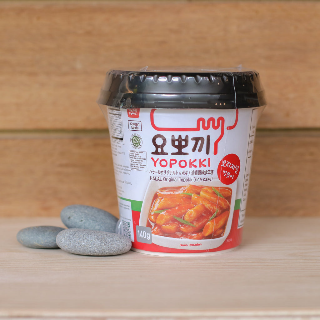 Yopokki Spicy Rice Cake with Sauce - 140g