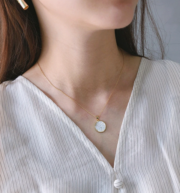 Angel Mother Pearl Necklace