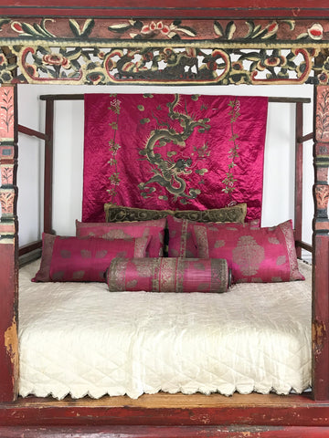 bespoke collection cushions Ottoman silver and fuschia silk