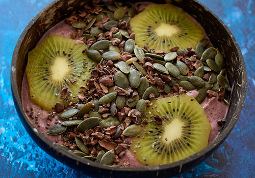 This is a very high fibre bowl with our high fibre healthy topping and superberry mix