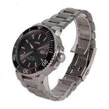 Load image into Gallery viewer, Oris Aquis Big Day Date 7733 Steel 45mm Automatic Mens Watch