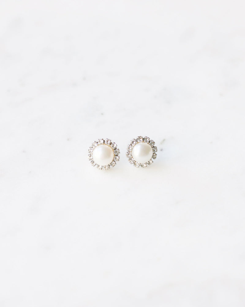 swarovski crystal halo pearl stud earrings in silver