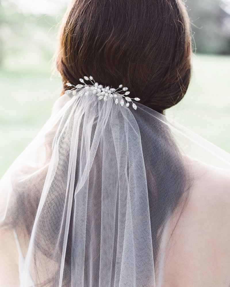 Calla wedding veil with crystal hair comb