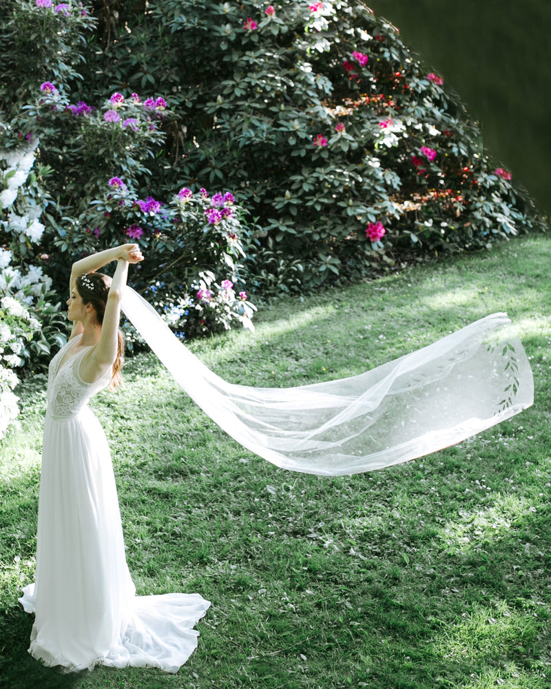 cascading leaves long bridal veil