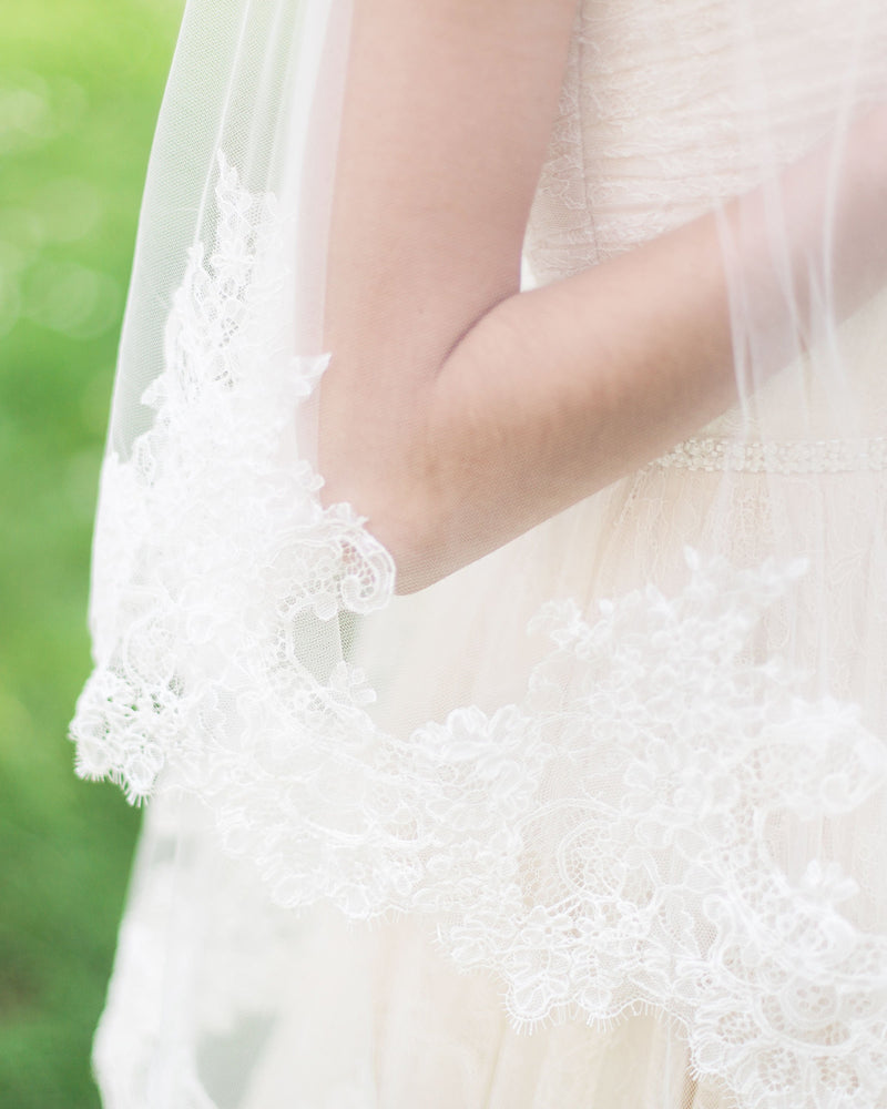 details of cassia chantilly lace wedding veil