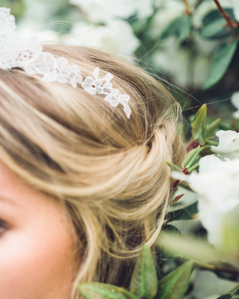 details of the chantilly lace wedding tiara