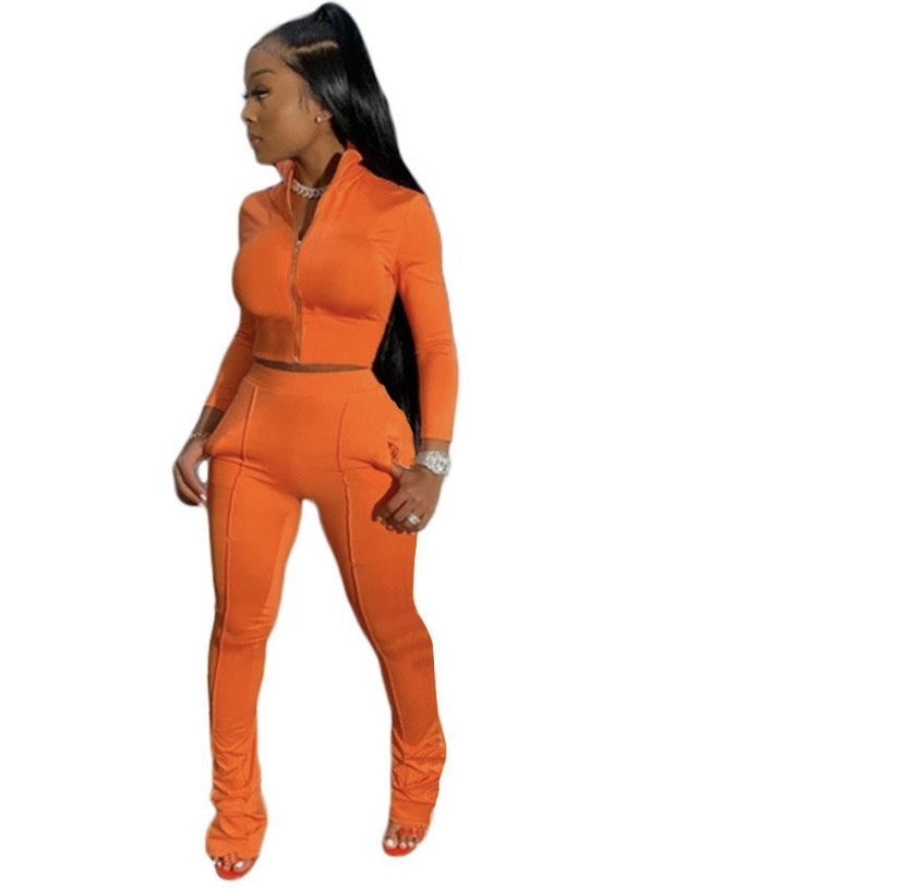 Women's solid two piece sweatsuit