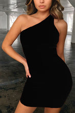 Load image into Gallery viewer, Valeria Eartha Black One Shoulder Dress