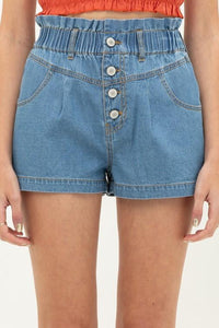 Highwaisted Denim Retro Shorts in medium blue wash