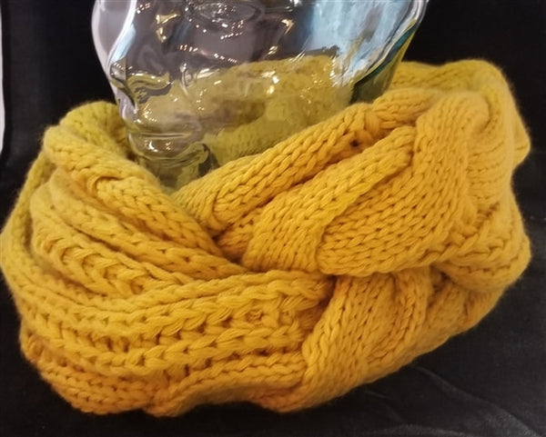 CHARTREUSE CABLE KNIT INFINITY SCARF