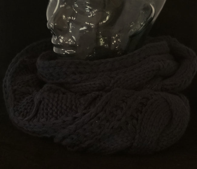NAVY/MIDNIGHT BLUE CABLE KNIT INFINITY SCARVES