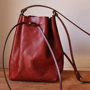 Hunter Bucket Bag