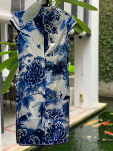Mazzario Blue & White Silk Cheongsam
