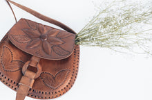 Load image into Gallery viewer, La Flor Purse