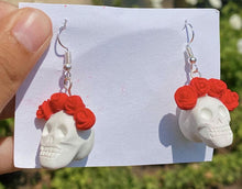 Load image into Gallery viewer, Calaveras y Rosas Earrings