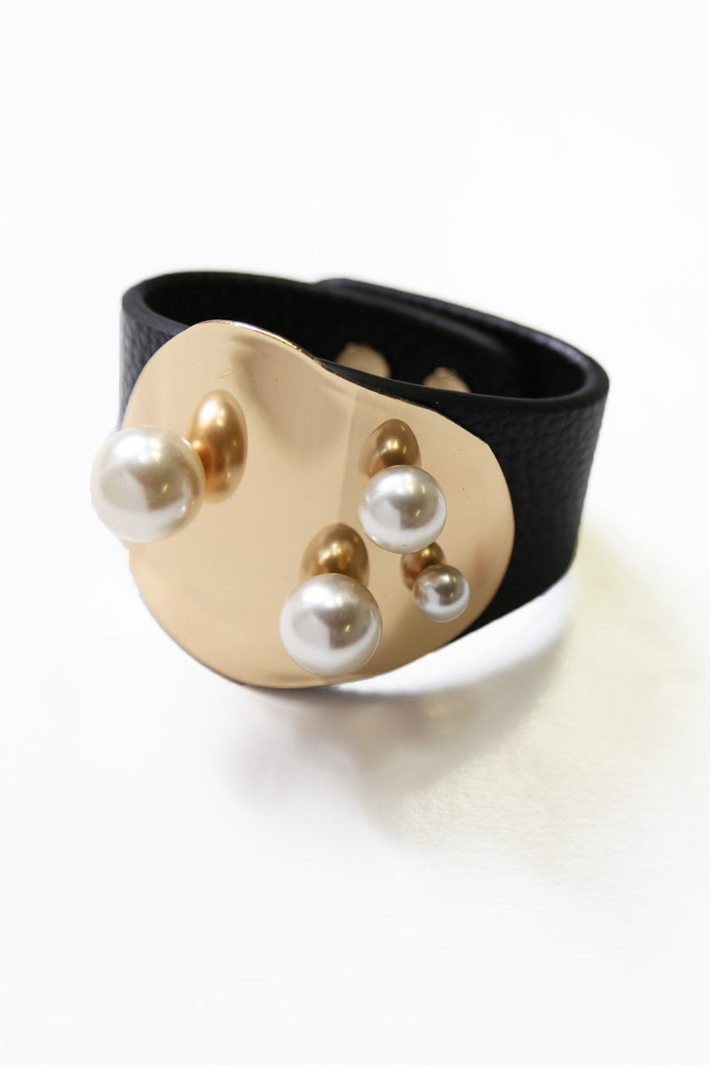 Pearl Cuff Black Leather