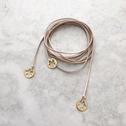 Bolo necklace in Sand nubuck