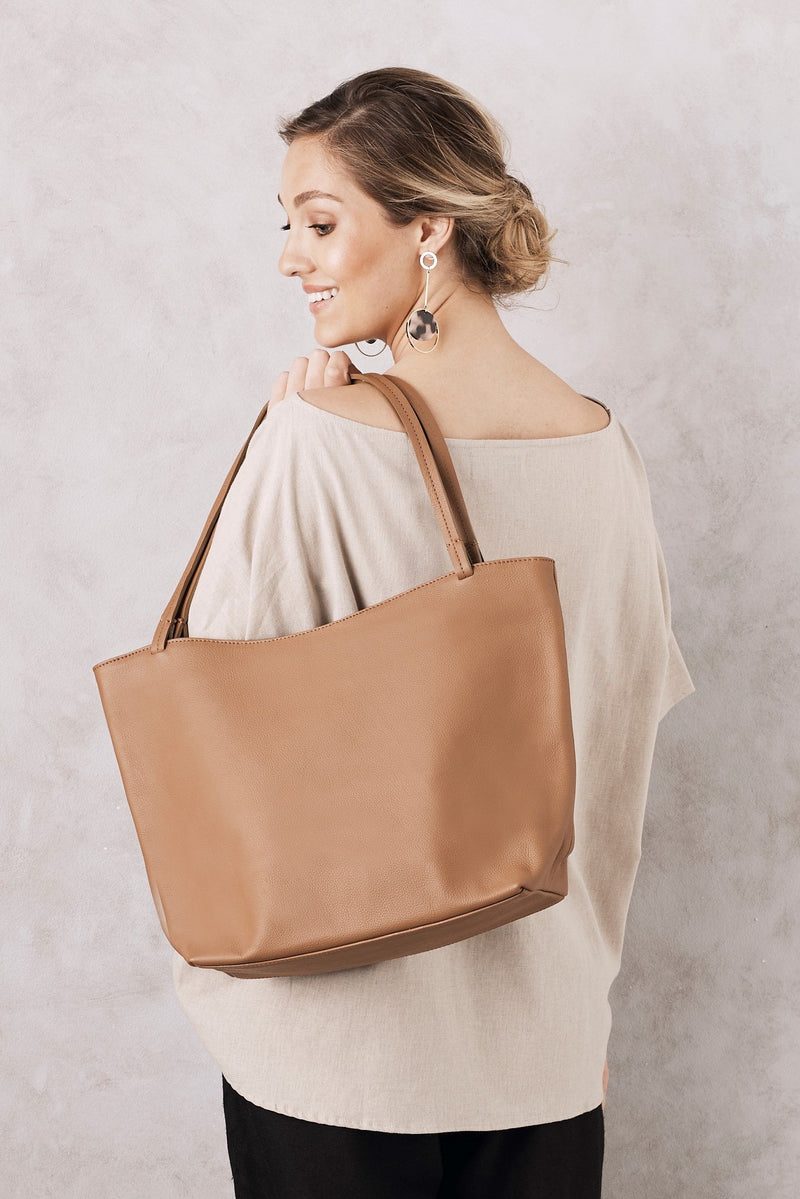 Nora Leather Handbag Tan