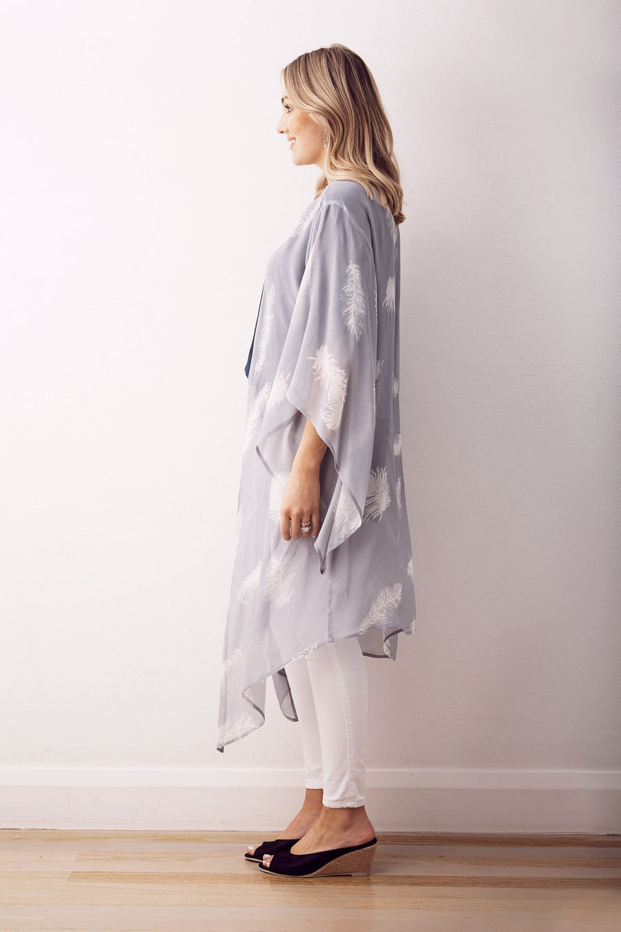 Feather Cape Light Grey