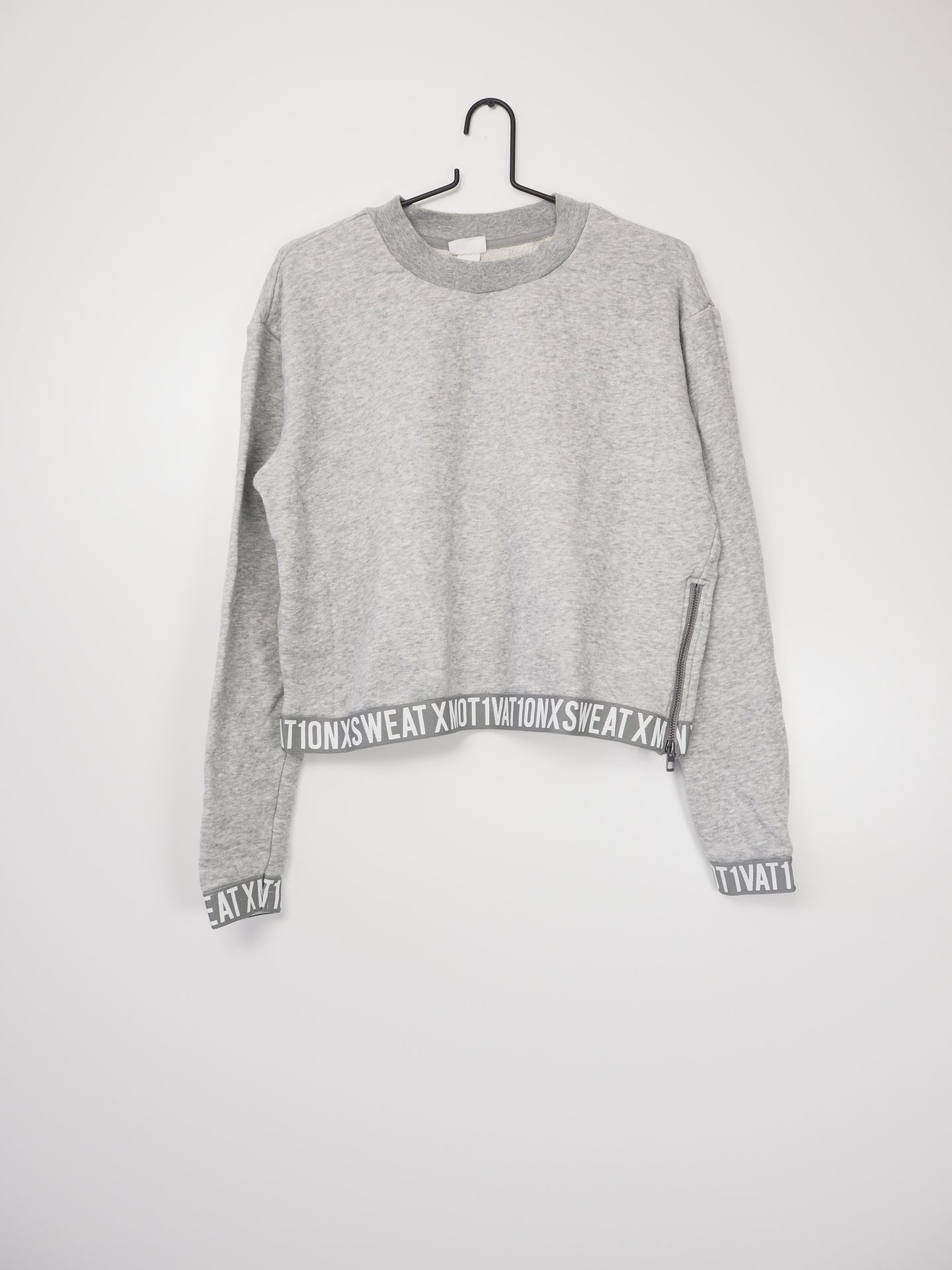 Mot1vation sweater (H&M)