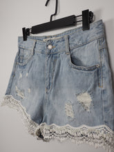 Afbeelding in Gallery-weergave laden, Lichtblauwe katoenen shorts (Denim Co.)