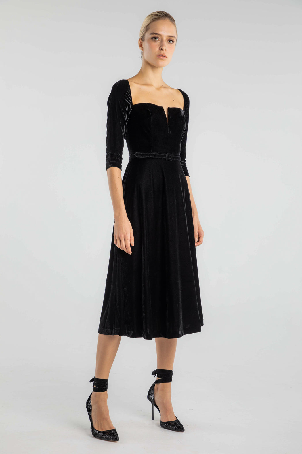 Anouk Velvet Midi Dress - SAU LEE