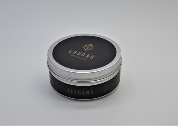ÄLVDANS is scented with essential oil of Lemongrass, Cedar Wood, Rosemary and Eucalyptus. Lemongrass is playing the main role – but the other perfumes are important for the scent. I have designed the scent Ålvdans - trying to express my feeling of the morning mist dancing over the fields and lakes in the early morning. This natural phenomenon we call Älvdans in Sweden (the forest nymphs dancing).    125g of vegan shaving soap