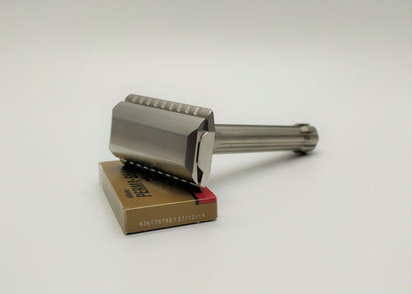 Blackland Blackbird safety razor