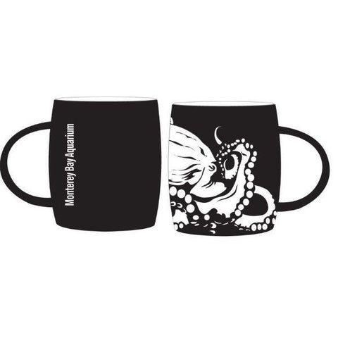 Mug etched octopus matte black