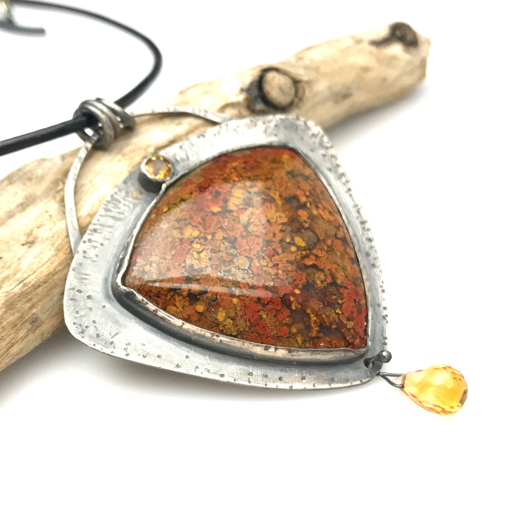 Bloody Basin Plume Agate Necklace