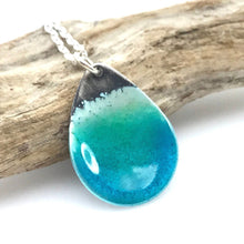 Load image into Gallery viewer, Teardrop Beach Necklace