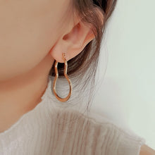 Load image into Gallery viewer, Alexi Gold Hoop Earrings