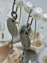 Load image into Gallery viewer, Mermaid Small Disc Labradorite Earrings